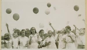 youngmenandwomen1932.