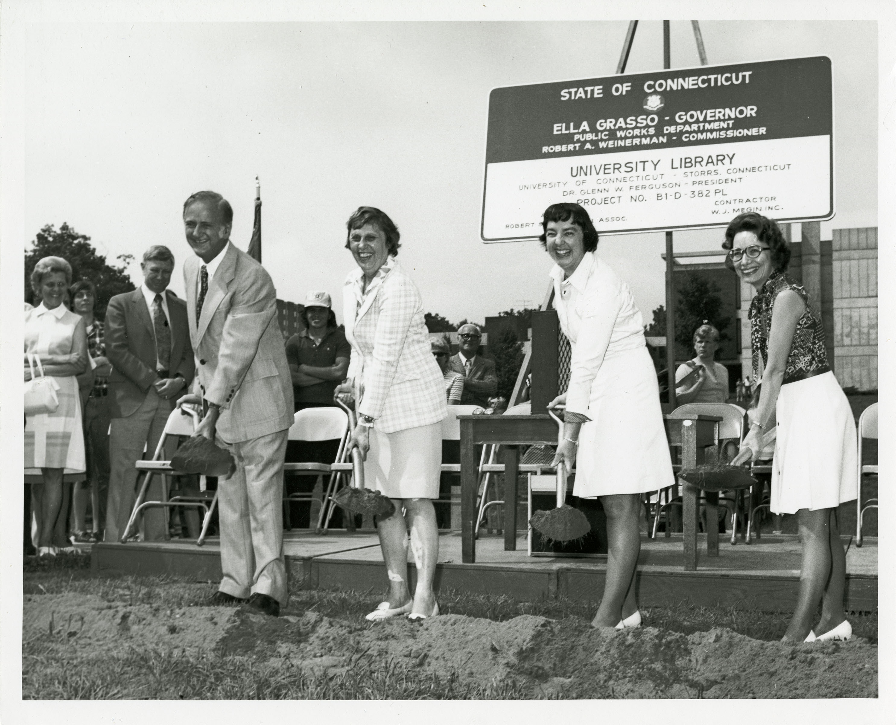 Ground breaking ceremony for the University Library, July 10, 1975