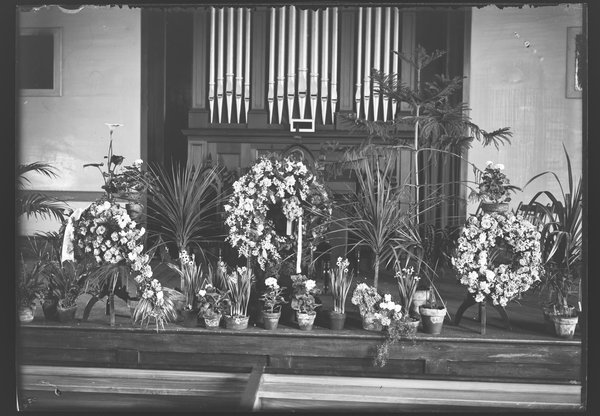 Flowers at the funeral of Benjamin Koons, December 1903
