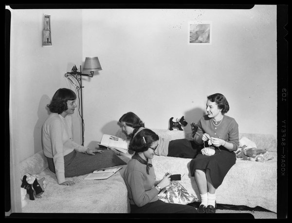 Co-eds in dormroom, 1950s