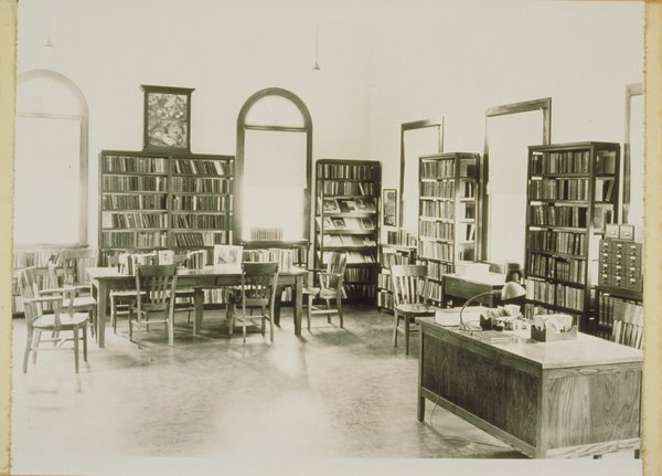 Mansfield Public Library, early 1900s
