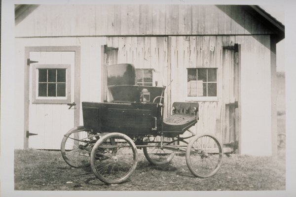 First automobile in Storrs, 1904