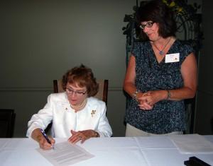 BillieLevy_Martha_signing_sm